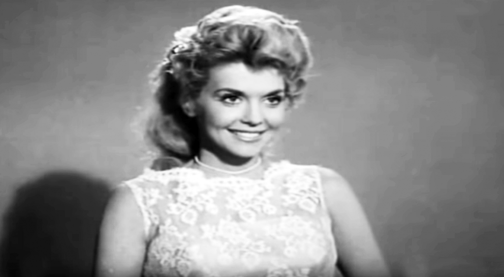 donna douglas 1962, donna douglas younger, american actress, beverly hillbillies tv series, elly may character, gospel music singer, christian children's books author, frankie and johnny movie, elvis presley costar, louisiana natives, 1960s television series, boris karloffs thriller guest star, pygmalion and elly episode, 1960s tv sitcoms