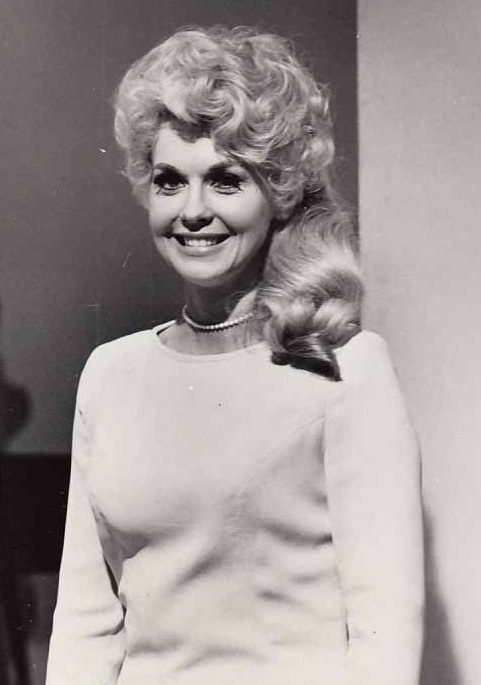 donna douglas 1967, ellie may clampett, the beverly hillbillies, 1960s tv series, american actress, younger, 1960s tv shows, comedy tv shows