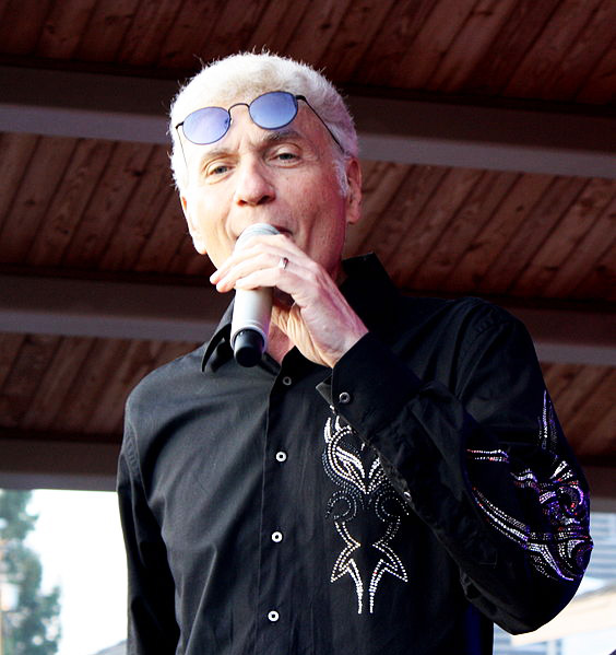 dennis deyoung 2010, dennis deyoung older, styx songwriter, styx lead singer, 1970s rock bands 1980s,1970s hit rock songs, babe songwriter, come sail away lead singer, lady songwriter, the best of times lead singer, 1980s hit rock singles, mr roboto, dont let it end, 1990s rock song hits, show me the way,