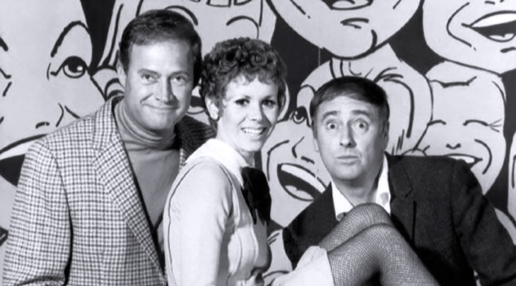 rowan and martin's laugh-in 1967, dick rowan, dan martin, judy carne, 1960s tv shows, 1960s musical variety series, american comedians