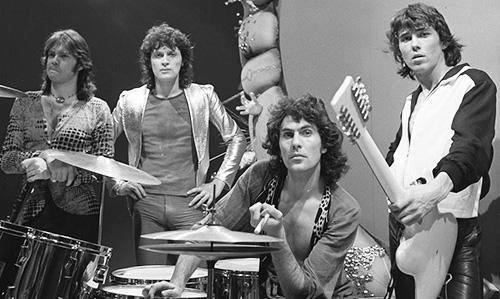 golden earring 1974, 1970s rock groups, dutch rock bands, george kooymans, barry hays, rinus gerritsen, cesar zuiderwijk, hit rock songs, radar love, twilight zone