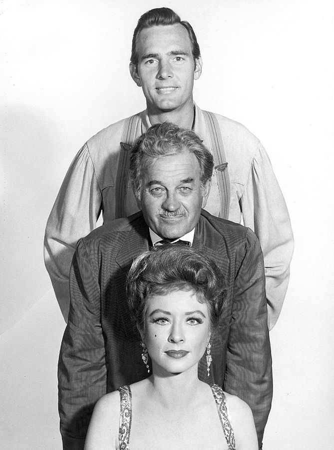 gunsmoke cast 1960, dennis weaver, chester goode, milburn stone, doc adams, amanda blake, miss kitty russell, 1960s westerns, 1960s television series