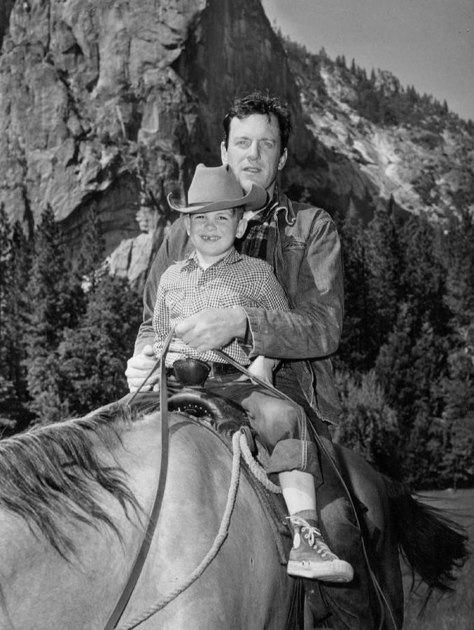 james arness 1959, american actor, gunsmoke tv show, 1950s television series, 1960s, tv shows, son rolf arness, american actor, western series
