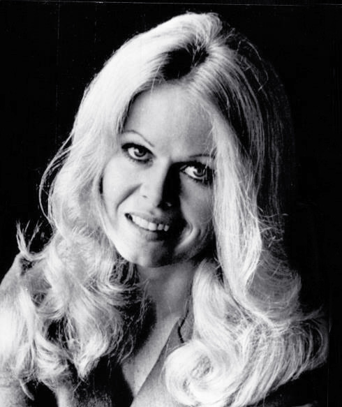 sally struthers 1973, american actress, movies, the getaway, classic tv shows, all in the family, gloria stivic, the gilmore girls,
