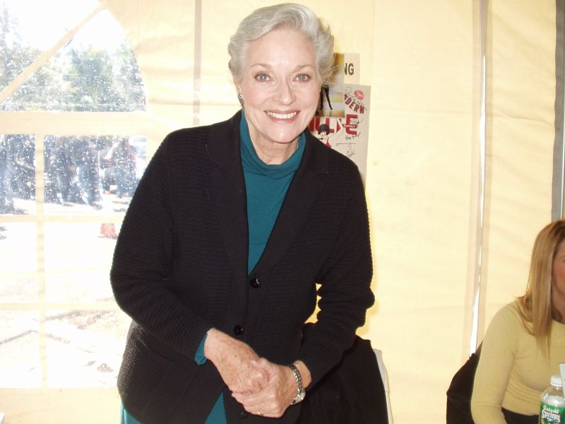 lee meriwether 2005, american actress, senior citizen,