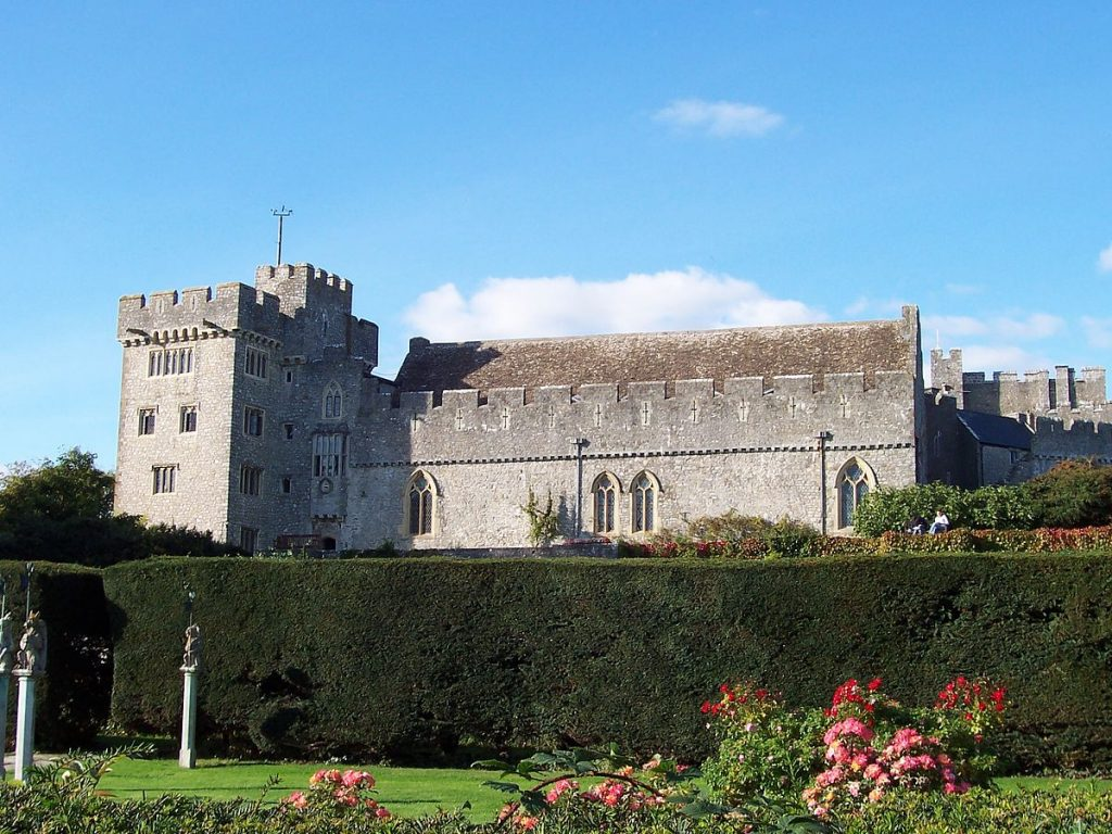 st donats castle, atlantic college, south wales, welsh castle, 12th century castle, william randolph hearst, gift to marion davies