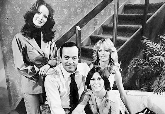 charlies angels cast 1977, david doyle, bosley, kate jackson, farrah fawcett, jaclyn smith, 1970s television series, 1970s tv shows, american actresses