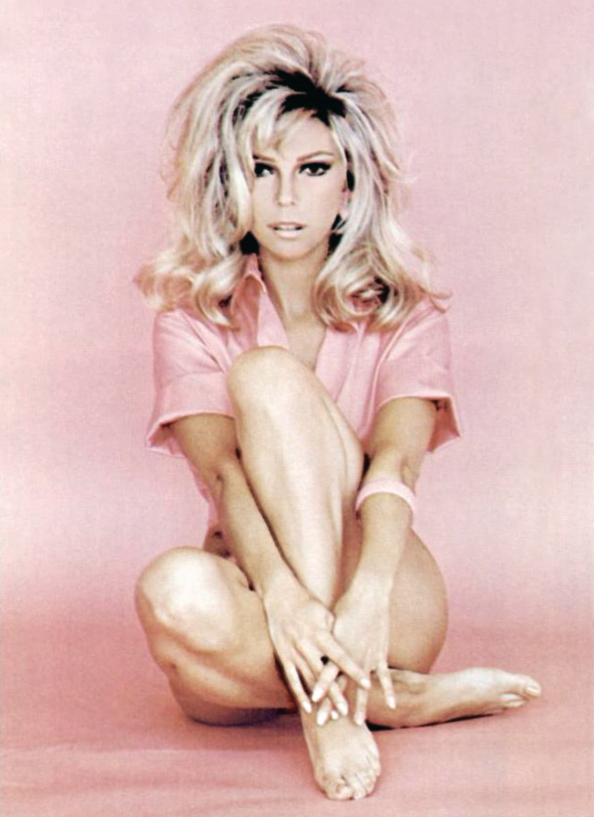 nancy sinatra 1971, american singer, actress, these boots are made for walking, hook and ladder