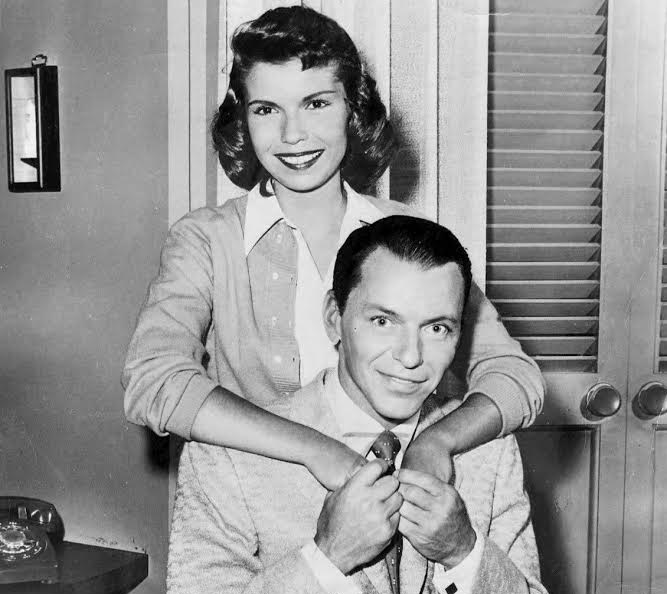 nancy sinatra 1957, frank sinatra, father, daughter, sinatra family, american actor, actress, singers, the frank sinatra show