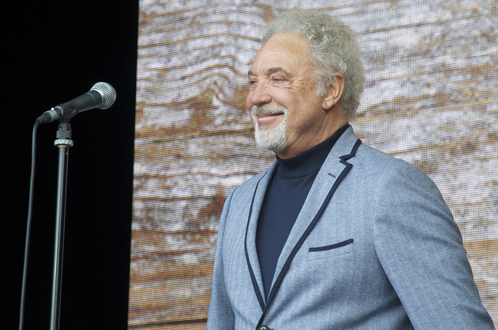 tom jones 2013, welsh singer, older, senior citizen, delilah, green green grass of home, ill never fall in love again, tower of song, aging, old age, retire, celebrating seniors, born june 7 1940, june 7 birthdays, celebrity birthday
