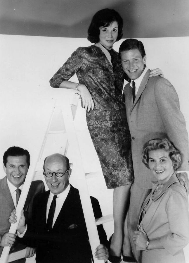 the dick van dyke show 1962, dick van dyke, rob petrie, mary tyler moore laura petrie, rose marie sally, richard deacon mel, morey amsterdam buddy, 1960s television shows, 1960s tv sitcoms