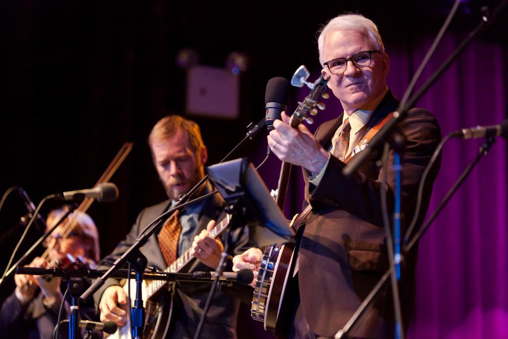 steve martin 2011, banjo payer, american actor, comedian, musician, older