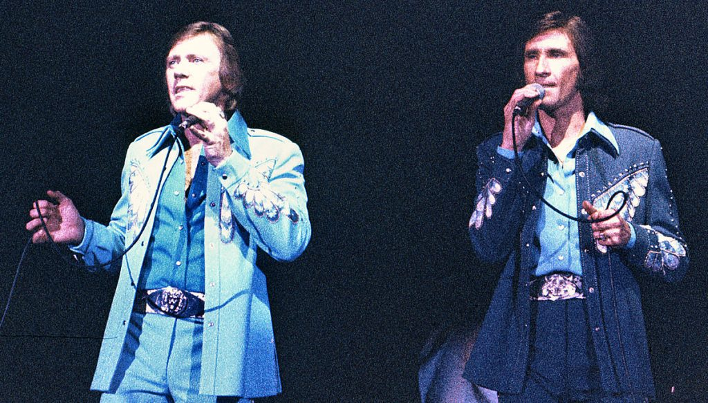 bill medley 1970s, bobby hatfield 1980s, the righteous brothers, younger
