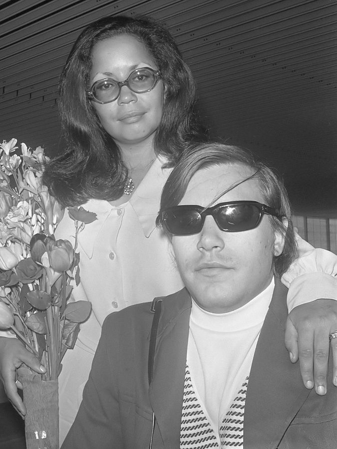 jose feliciano 1970, american singer songwriter, wife hilda perez