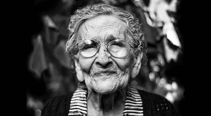 senior woman, older adult, julie entwistle, entwistle power occupational therapy, occupational therapist, senior citizens, community safety for alzheimers, alzheimers disease,