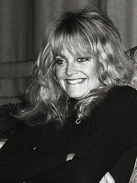 goldie hawn 1981, american actress, comedian, younger