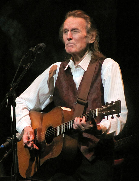 gordon lightfoot 2009, canadian singer, canadian songwriter, the wreck of the edmund fitzgerald, if you could read my mind, older, senior citizen