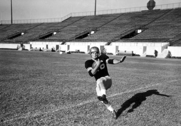 burt reynolds 1954, florida state university, football halfback, american actor, younger years