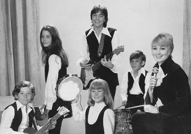 shirley jones 1970, american singer, actress, 1970s television series, the partridge family, david cassidy, jeremy gelbwaks, suzanne crough, danny bonaduce, susan dey, 1970s sitcoms,