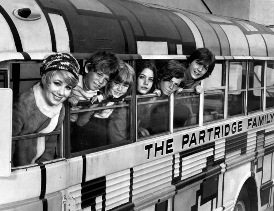 the partridge family bus, 1970s television sitcoms, 1970s musical tv shows, the partridge family cast 1970, shirley jones, jeremy gelbwaks, suzanne crough, susan dey, danny bonaduce, david cassidy