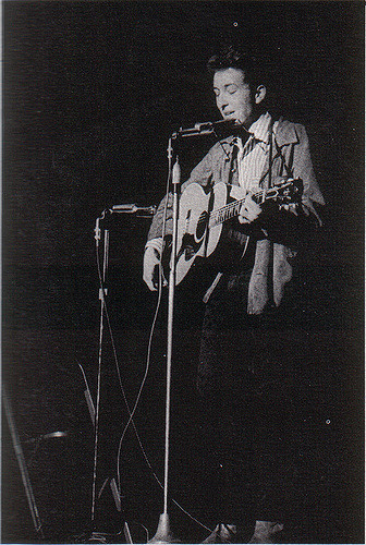 bob dylan 1964, st lawrence college yearbook, american folk singer, songwriter, performing