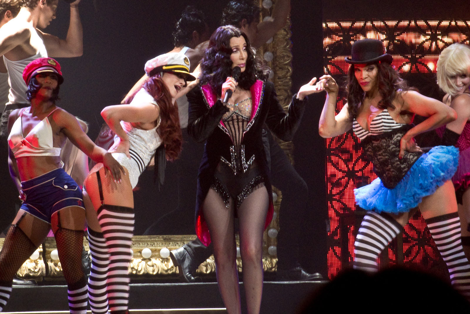 cher 2014, american singer, actress, dressed to kill concert tour, senior citizen