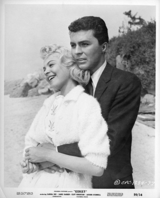 james darren, sandra dee, 1959 movies, gidget, moondoggie, american actor