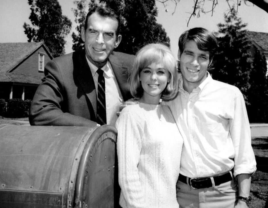 fred macmurray, my three sons 1967, don grady as robbie douglas, tina cole as katie miller, 1960s television series, 1960s tv sitcoms