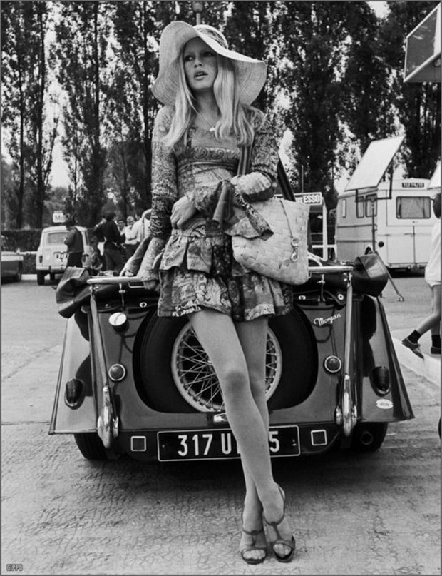 brigitte bardot 1960s, french actress, model, 1960s car, morgan car