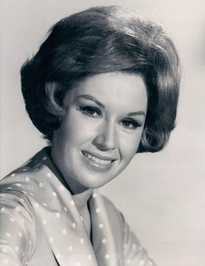 pat crowley 1965, please dont eat the daisies, 1960s television series, 1960s comedy shows, american actress
