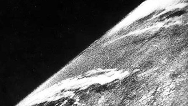 october 1946, first space photo, oct 24 1946, v2 rocket photo