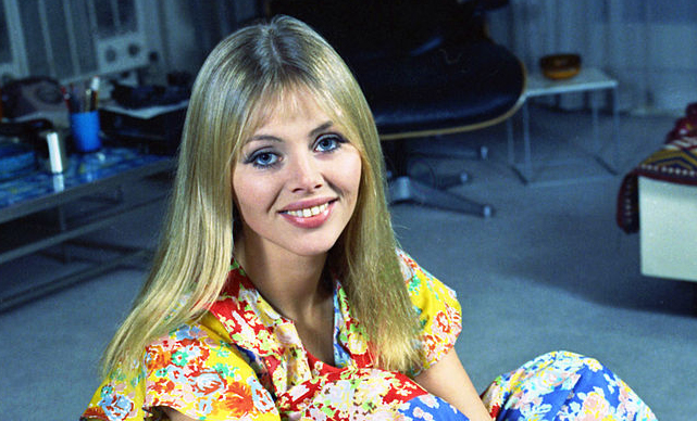 britt ekland 1972, swedish actress, swedish american, 1970s actress