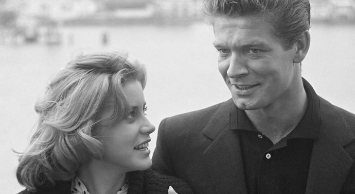 dolores hart 1961, stephen boyd, american actor, american actress, 1960s movies, lisa, the inspector, costars, love interests