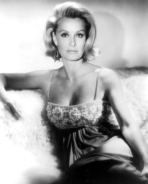 dina merrill 1968, american actress, nedenia hutton, movie star, 1950s movies, 1960s movies
