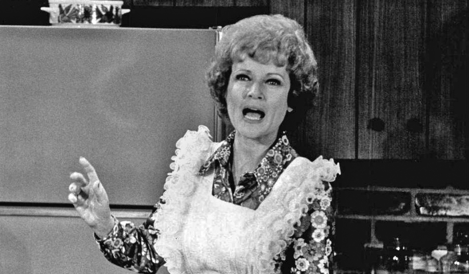 betty white 1973, american actress, 1970s television series, 1970s tv sitcoms, the mary tyler moore show, sue ann nivens, homemaker