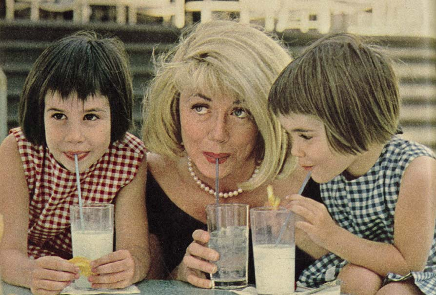 dorothy malone, daughters, diane bergerac, mimi bergerac, 1966, photoplay magazine