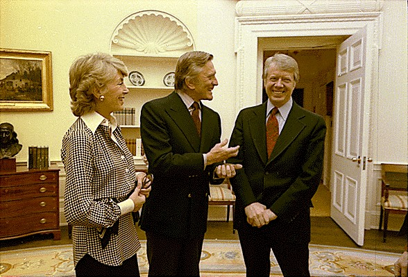 kirk douglas 1978, wife, anne buydens, anne douglas, president jimmy carter, white house