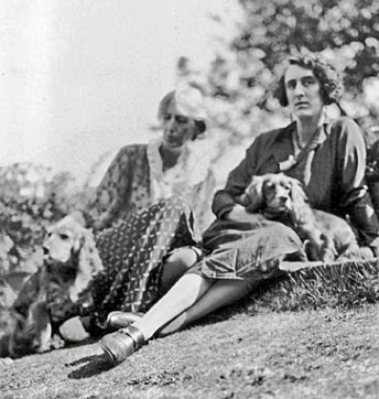 virginia woolf, 1933, vita sackville-west, dogs pippen, dog pinka