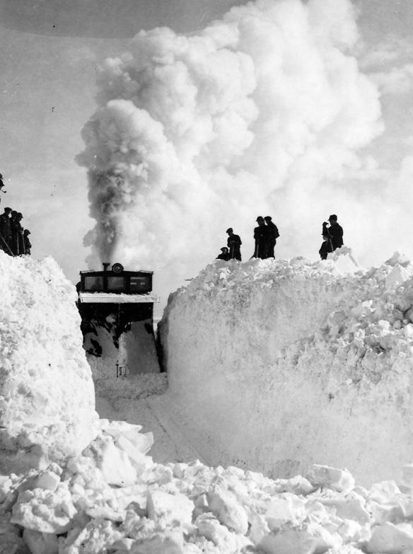 1947 february, prairie blizzard, worst blizzard in canadian railway history, towns snowed in, trains snowed in