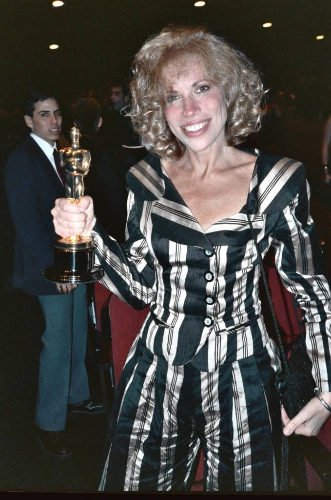carly simon 1989, academy awards songs, american singer, songwriter, 1980s hit songs