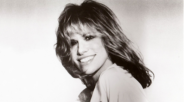 carly simon 1970s, carly simon younger, american singer, baby boomer singers, the simon sisters, wynken, blynken & nod, 1970s hit songs, thats the way ive always heard it should be, anticipation, youre so vain, mocking bird, james taylor duets, nobody does it better, 1980s hit singles, coming around again itsy bitsy spider, let the river run, i havent got time for the pain, alone together, sister lucy simon, martha's vineyard celebrity residents, overcoming stuttering, stage fright, carly simon relationships, nick delbanco, livingston taylor friends, cat stevens relationship, kris kristofferson relationship, warren beatty relationship,  married james taylor 1972, divorced james taylor 1983, married jim hart 1987, divorced jim hart 2007, william donaldson affair, danny armstrong relationship, central park concert, russ kunkel relationship, mother of sally taylor, mother of ben taylor,