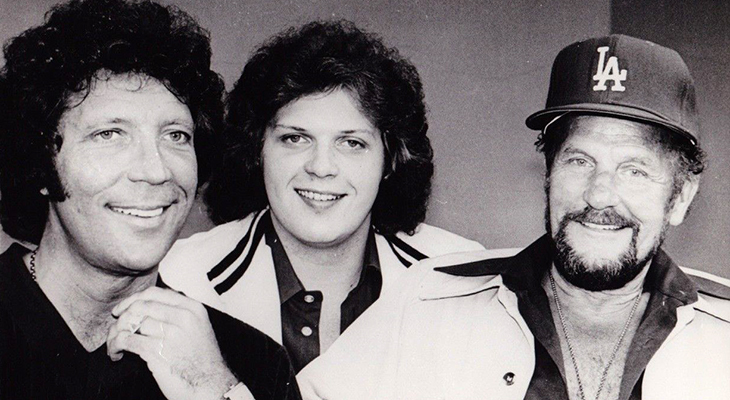 tom jones 1977, nee tom woodward, tom jones son mark woodward, tom jones father tom woodward,