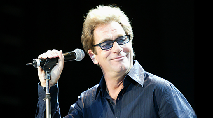 huey lewis 2006, nee hugh anthony cregg iii, american rock singer, songwriter, harmonica player, 1970s rock groups, clover lead vocals, huey lewis and the american express, 1980s rock bands, huey lewis and the news, 1980s hit rock singles, do you believe in love, i want a new drug, the heart of rock and roll, if this is it, walking on a thin line, the power of love, back in time, while were young, actor, huey lewis middle aged