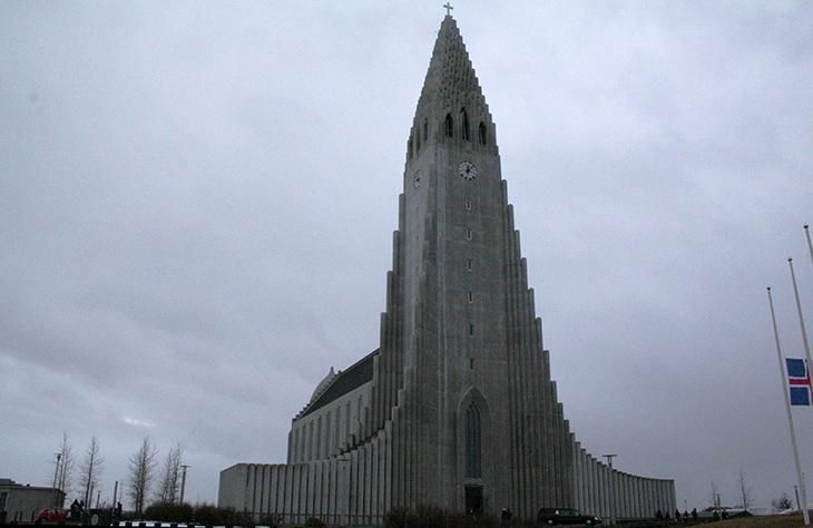 hallgrimskirkja lutheran church, reykjavik iceland church, reykjavic city scenery, things to see in reykjavik iceland