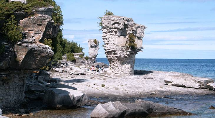 flowerpot island, tobermory ontario, fathom five marine national park, bruce peninsula parks, interesting rock formations, hiking trails