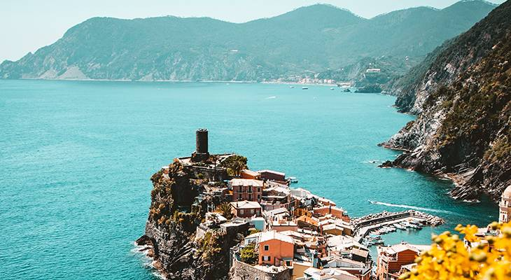 dream vacation, cinque terre italy, mediterranean ocean, mini tour bus, quaint italian village, tourists, travelers, italian vacation, great travel agent,