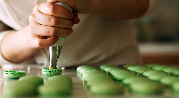 green macarons, making a macaron, how to make macarons