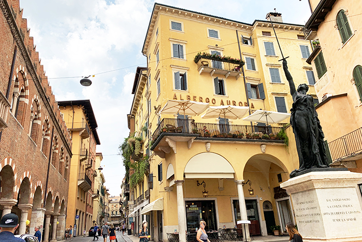 domus mercatorum, casa dei mercanti, merchants house, piazza delle erbe, verona italy attractions, sword of freedom statue, what to see in verona italy, sightseeing, medieval buildings