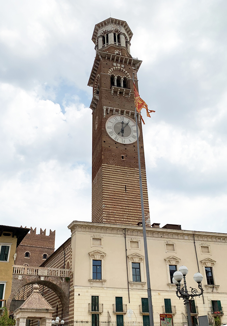 lamberto tower, piazza delle erbe, verona italy attractions, what to see in verona italy, sightseeing, medieval buildings