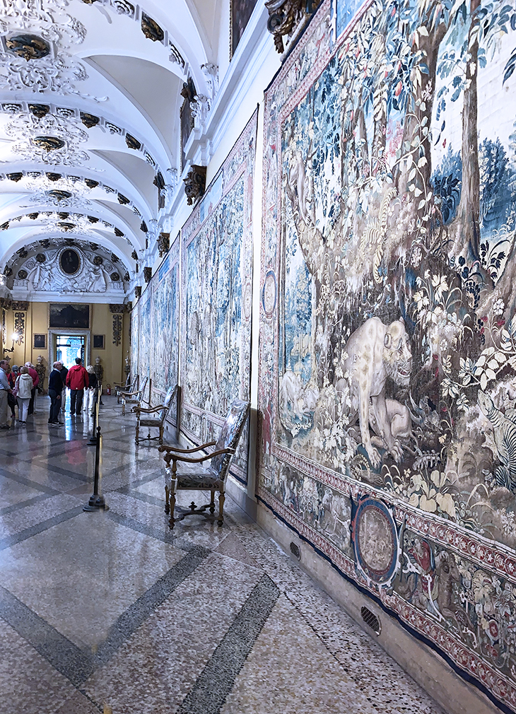 isola bella palazzo, borromean summer palace, borromeo tapestries, salon degli arazzi hallway, borromea palazzo,